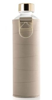 Equa Trinkflasche 750 ml Mismatch Beige aus Borosilikatglas mit Kunstlederhülle und Metalltragegriff