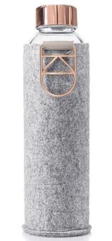 Equa Trinkflasche 750 ml Mismatch Rose Gold aus Borosilikatglas mit Filzcover und Metalltragegriff